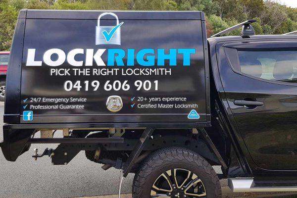 lock-right-locksmiths-ute-canopy-sign-3